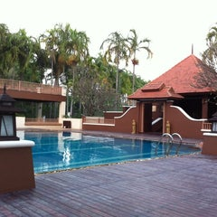 Photo taken at Q House Laddalom Swimming Pool by Alice _. on 10/17/2014