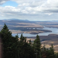 Photo taken at Mount Snow Summit Lodge by Jerrod on 10/11/2014