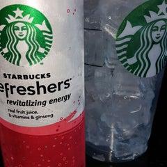 Photo taken at Starbucks by Isiah C. on 10/5/2014
