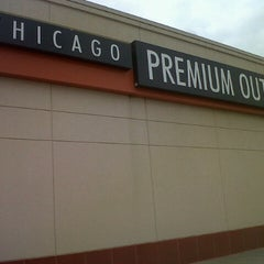 Photo taken at Chicago Premium Outlets by Sylmina Dalily A. on 7/6/2013