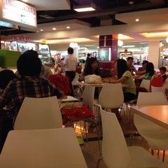 Photo taken at The Food Sensation by Hendri J. on 9/20/2014