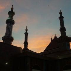Photo taken at Masjid Raya At Taqwa Kota Cirebon by Danian P. on 1/11/2015