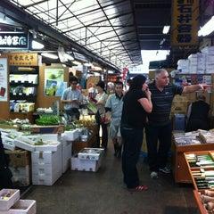 Photo taken at 築地市場 (Tsukiji Fish Market) by Rainbowchild on 6/12/2012
