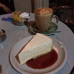 Photo taken at Cafe Nona (קפה נונה) by Talia G. on 7/22/2014