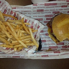 Photo taken at Smashburger by Murray I. on 2/16/2013