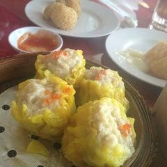 Photo taken at Wong Kok Restaurant @ Penampang by Meryl L. on 3/14/2013