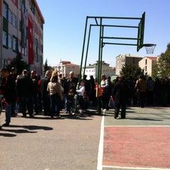 Photo taken at Yakacık Doğa Koleji by Uygun B. on 4/23/2013