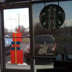Photo taken at Starbucks by Bryce R. on 11/20/2012