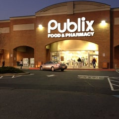 Photo taken at Publix by Wesley H. on 11/20/2012