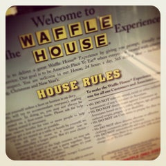 Photo taken at Waffle House by Chene K. on 11/10/2013