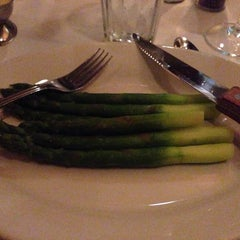 Photo taken at Morton's the Steakhouse by Sara R. on 6/7/2014
