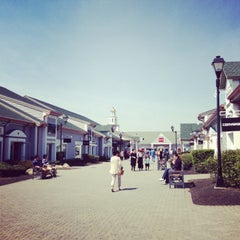 Photo taken at Woodbury Common Premium Outlets by Trifectainvest on 4/28/2013
