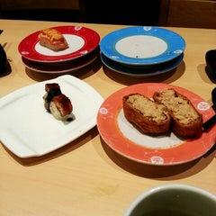 Photo taken at Sakae Sushi by Ka Ee on 8/9/2015