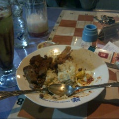 Photo taken at Savory Food & Drinks by Misbakhul Wahyu A. on 9/28/2014