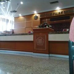 Photo taken at KPP Wajib Pajak Besar Dua (LTO 2) by DIDIT SARWO HWK - XAI B. on 9/18/2015