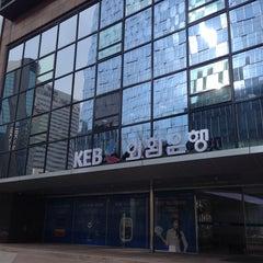 Photo taken at KEB 외환은행 by Matthew on 2/17/2014