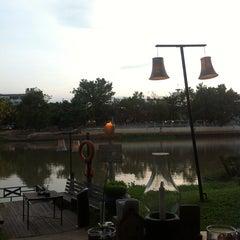 Photo taken at The Good View (เดอะ กู๊ดวิว) by Teepat C. on 5/25/2013