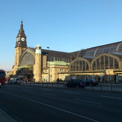 Photo taken at Hamburg Hauptbahnhof by Media S. on 3/6/2013