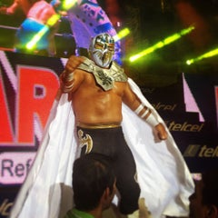 Photo taken at Arena México by Sinuhé Lord M. on 6/2/2013