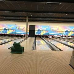 Photo taken at Strikerz Entertainment Center by Erin W. on 3/11/2013