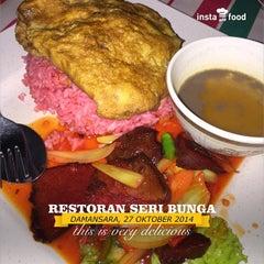 Photo taken at Restoran Seri Bunga by Cin T. on 10/26/2014