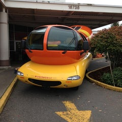 Photo taken at Fred Meyer by IWSHIWR O. on 10/13/2013
