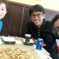 Photo taken at Domino's Pizza by El E. on 6/7/2015