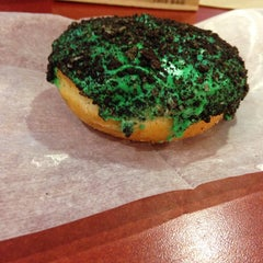 Photo taken at Dunkin' Donuts by Daniel S. on 3/19/2014