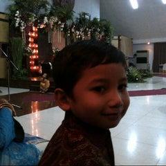 Photo taken at Gedung Sarbini Taman Wisata Wiladatika Cibubur by Ricko K. on 12/8/2013