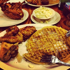 Photo taken at Roscoe's House of Chicken and Waffles by Marco B. on 1/6/2013