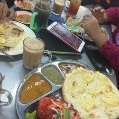 Photo taken at Restoran Osman by AsnidaAgus on 8/13/2015