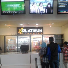 Photo taken at Platinum Cineplex by Deri S. on 1/24/2015