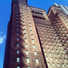 Photo taken at Warwick Allerton Hotel Chicago by Anna P. on 10/10/2012