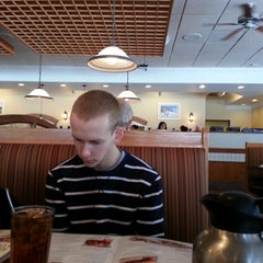Photo taken at Bob Evans Restaurant by Michael T. on 2/3/2013