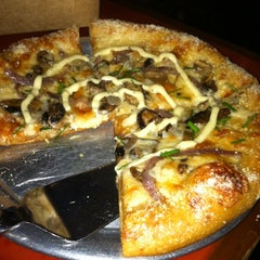 Photo taken at Mellow Mushroom by Geoffrey F. on 10/14/2012
