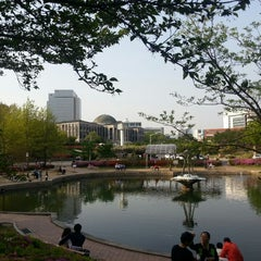 Photo taken at 경북대학교 (Kyungpook National University) by Soo 물안경 on 4/28/2013