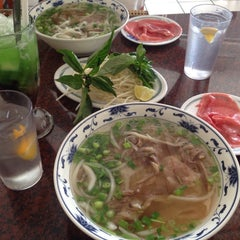 Photo taken at Pho Long Thinh by Dave H. on 9/5/2015