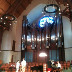 Photo taken at First United Methodist Church Richardson by Hector G. on 5/28/2014