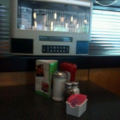 Photo taken at Lester's Diner by Stephanie M. on 9/22/2012