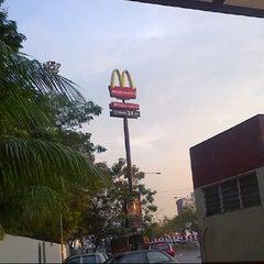 Photo taken at McDonald's by Nadbee N. on 12/22/2012