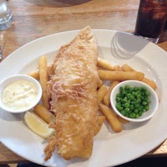 Photo taken at Loch Fyne Restaurant by Charlotte P. on 8/9/2015