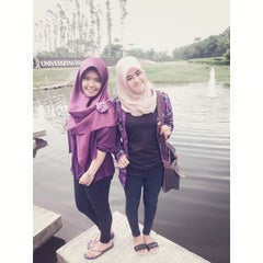 Photo taken at Universitas Riau (UR) by Happy firsty A. on 9/4/2014