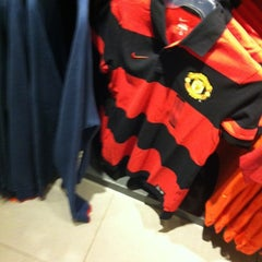 Photo taken at Nike Factory Store by SuzAnna G. on 4/29/2012