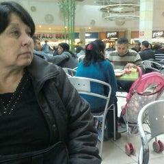 Photo taken at Patio de Comidas by Roberto O. on 5/13/2012