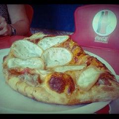 Photo taken at La Perla Pizzeria by Ilaria R. on 8/14/2012