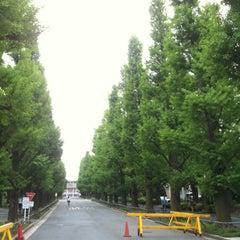 Photo taken at 慶應義塾大学 来往舎 by sksb on 4/30/2012
