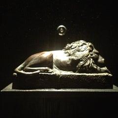 Photo taken at Le Lion by Roberto Kai H. on 3/24/2012
