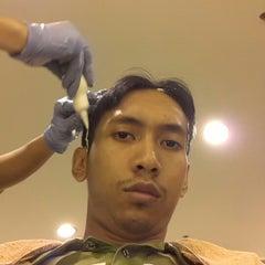 Photo taken at Infinity Hair Salon by Amynur Azuan A. on 9/13/2012