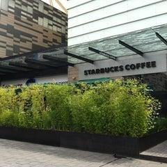 Photo taken at Starbucks by Palemón P. on 10/2/2012