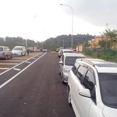 Photo taken at Sekolah Kebangsaan Taman Desaminium Seri Kembangan Selangor by Yuzray E. on 7/13/2013